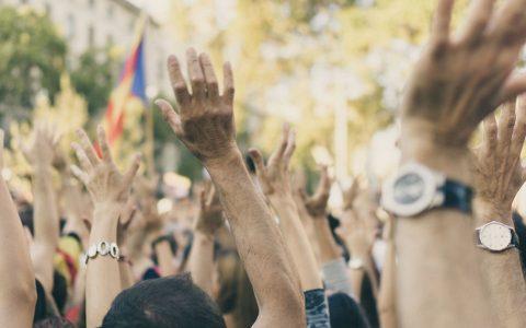 印度监管者得了拖延症?加密货币禁令仍未解除,民众四次走上街头抗议