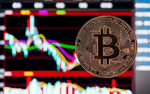 BTC半月以來首次跌破1萬美元關口,與黃金價格出現負相關信號