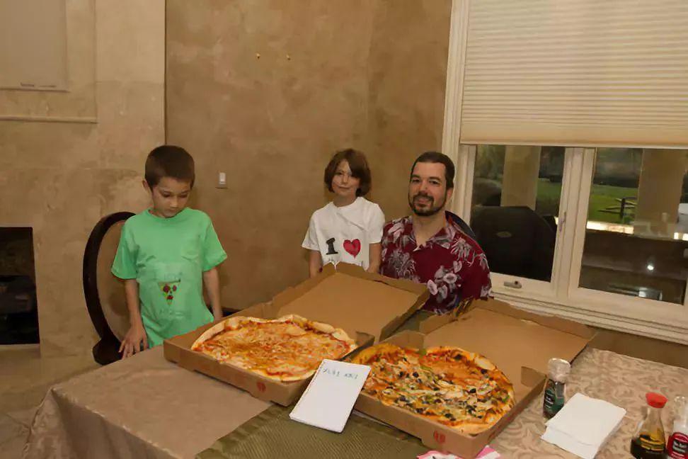 """""""披萨节""""背后的历史细节:错过千万财富,我后悔了吗?"""