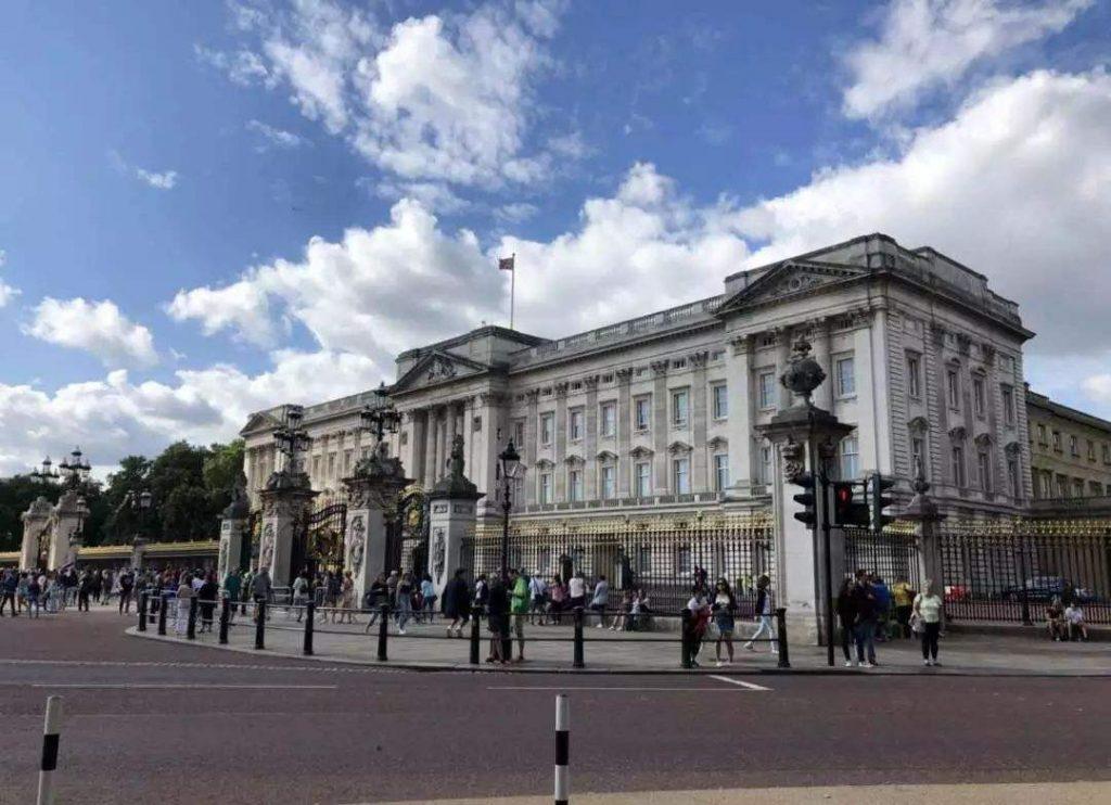 """英格兰银行领导人表示,""""银行将不得不调整""""加密货币"""